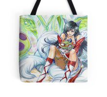 ahri hugging teemo~ Tote Bag