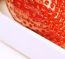 strawberry close up by saaton