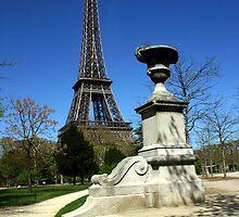 Eifel Tower by nadir