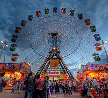 Big Wheel at the Royal Adelaide Show by Zhen Ti Yong