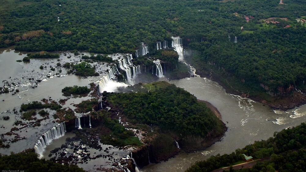 Aerial view of Iguaçu falls by Andrea Rapisarda