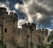 Conwy Castle by unozig