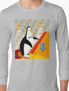 Eddie Penguin on black Long Sleeve T-Shirt