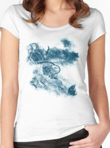 no escape Women's Fitted Scoop T-Shirt