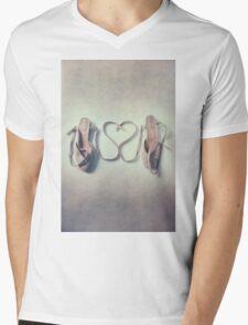 I love dancing Mens V-Neck T-Shirt