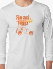 Road Trip in a Jeep Long Sleeve T-Shirt