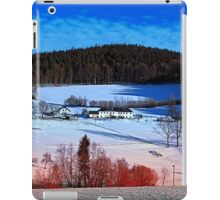 A sunny afternoon in winter wonderland | landscape photography iPad Case/Skin