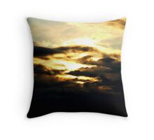 THE WAR OF THE WORLDS Throw Pillow