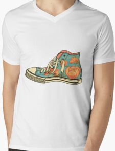 colored pattern gym shoes Mens V-Neck T-Shirt