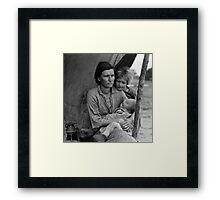 Dorothea Lange, Migrant mother (alternative), Nipomo, California, 1936 Framed Print