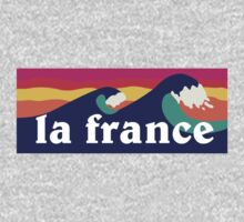 La France surfing waves by mustbtheweather