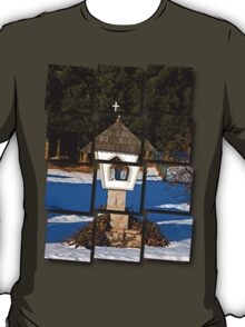 Wayside shrine in winter scenery   architectural photography T-Shirt
