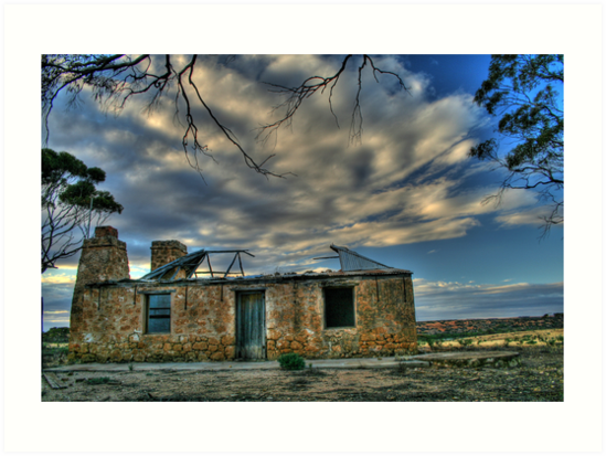 Hill top House by Dave  Hartley