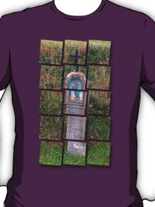 Traditional christian wayside cross   architectural photography T-Shirt