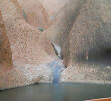 Uluru's Silver Rock by chris51