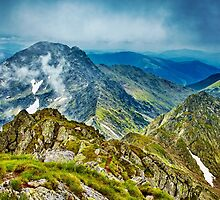 Fagaras mountain range in Romania by naturalis
