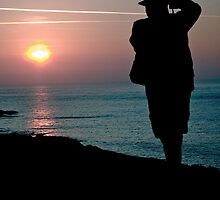 Sunrise & Silhouette by Catherine Hamilton-Veal  ©