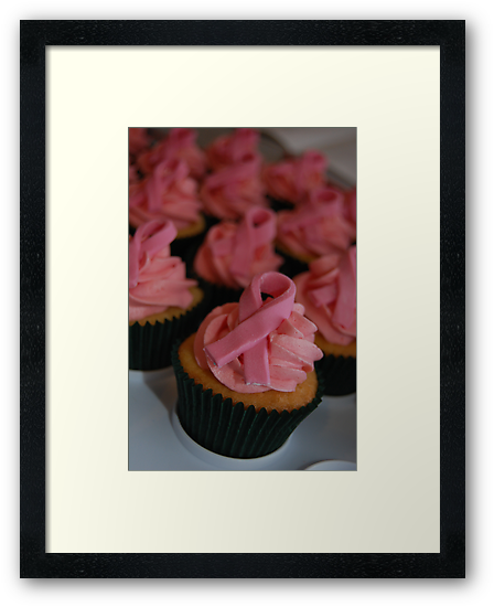 Pink Breast Cancer Awareness Cupcakes by lrkane