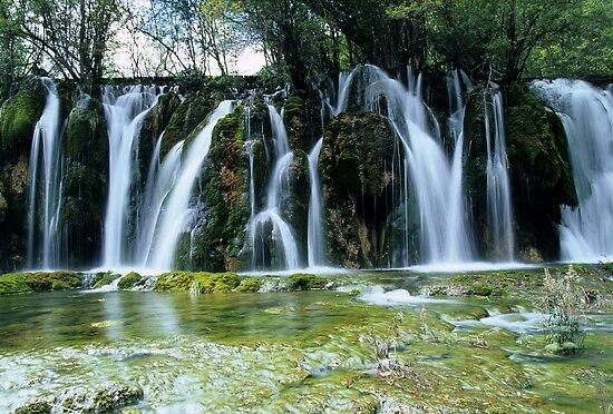 Jiuzhaigou waterfall - China by Graeme