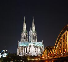 The Cathedral in Cologne by julie08