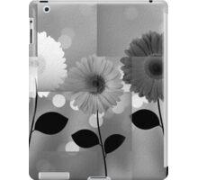 Black and White Daisies iPad Case/Skin