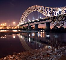 The silver jubilee bridge  by Jon Baxter