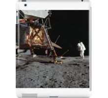 Apollo 12 : Amazing Panoramic Picture Taken on the Moons surface iPad Case/Skin