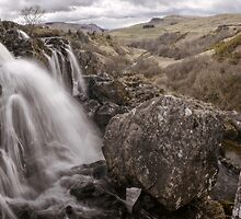 Loup of Fintry waterfall by Tim Haynes