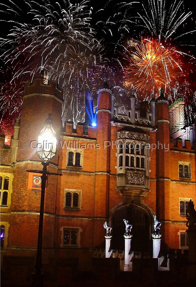 Hampton Court Fireworks by Colin  Williams Photography