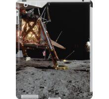 Apollo 17 : Panoramic Digital Painting of the Moon Landing iPad Case/Skin