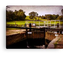 Fladbury Lock.  Canvas Print