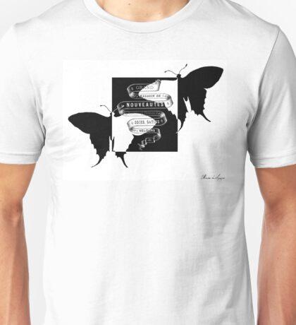 Vintage minimalist butterfly Unisex T-Shirt