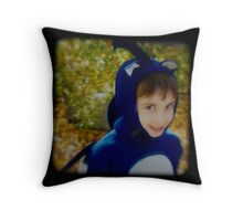 Sonic the HedgeHog-TTV Throw Pillow