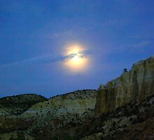 Moonrise at Ghost Ranch by Laurel Talabere