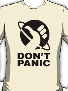 Don't Panic - Hitchhikers Guide T-Shirt