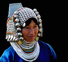 AKHA GIRL - GOLDEN TRIANGLE by Michael Sheridan