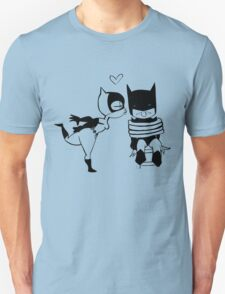 Catwoman Kissing Batman Unisex T-Shirt