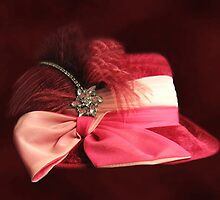 BEAUTIFUL CLASSY WOMANS HAT-CHAPEAU---PICTURE AND OR PRINTS ECT by ✿✿ Bonita ✿✿ ђєℓℓσ