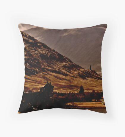 Scotland 3 The History Throw Pillow