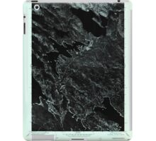 Maine USGS Historical Map Scraggly Lake SW 807133 1975 24000 iPad Case/Skin