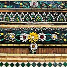 Detail  of mosaic in Wat Po by Cvail73
