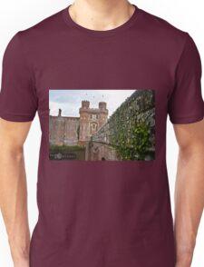 """Herstmonceaux, England: """"Herstmonceaux Castle"""" Unisex T-Shirt"""