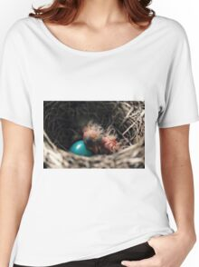 Baby bird in nest Women's Relaxed Fit T-Shirt