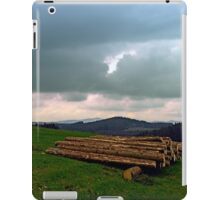 Heavy clouds with some timber | landscape photography iPad Case/Skin