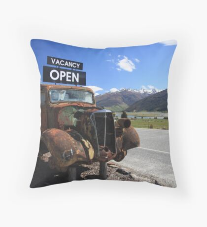 Old style car Throw Pillow