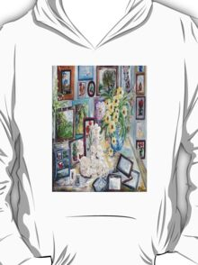 Table of an Art Enthusiast T-Shirt
