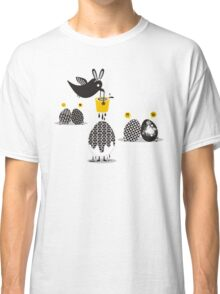 Cute bird Easter bunny ears painting eggs Classic T-Shirt