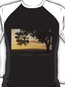 Morans lookout rural scape 2014 T-Shirt