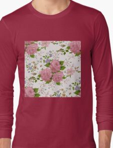 Floral pattern with pink roses. Vintage style Long Sleeve T-Shirt