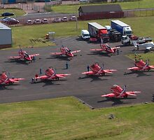 Red Arrows by markmowbray